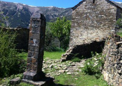 Valle del Ara: Pueblo abandonado de Yosa